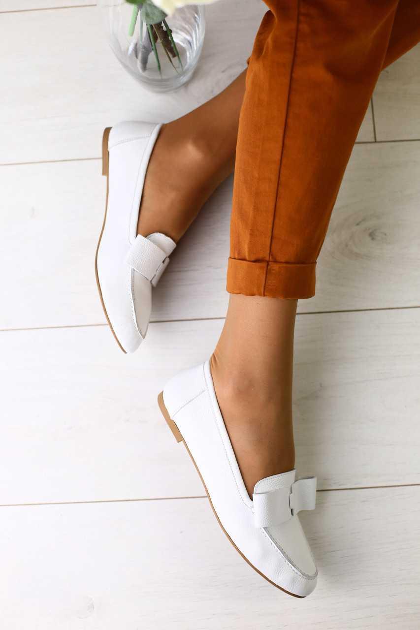 Балетки женские летние из натуральной кожи легкие стильные модные в белом цвете