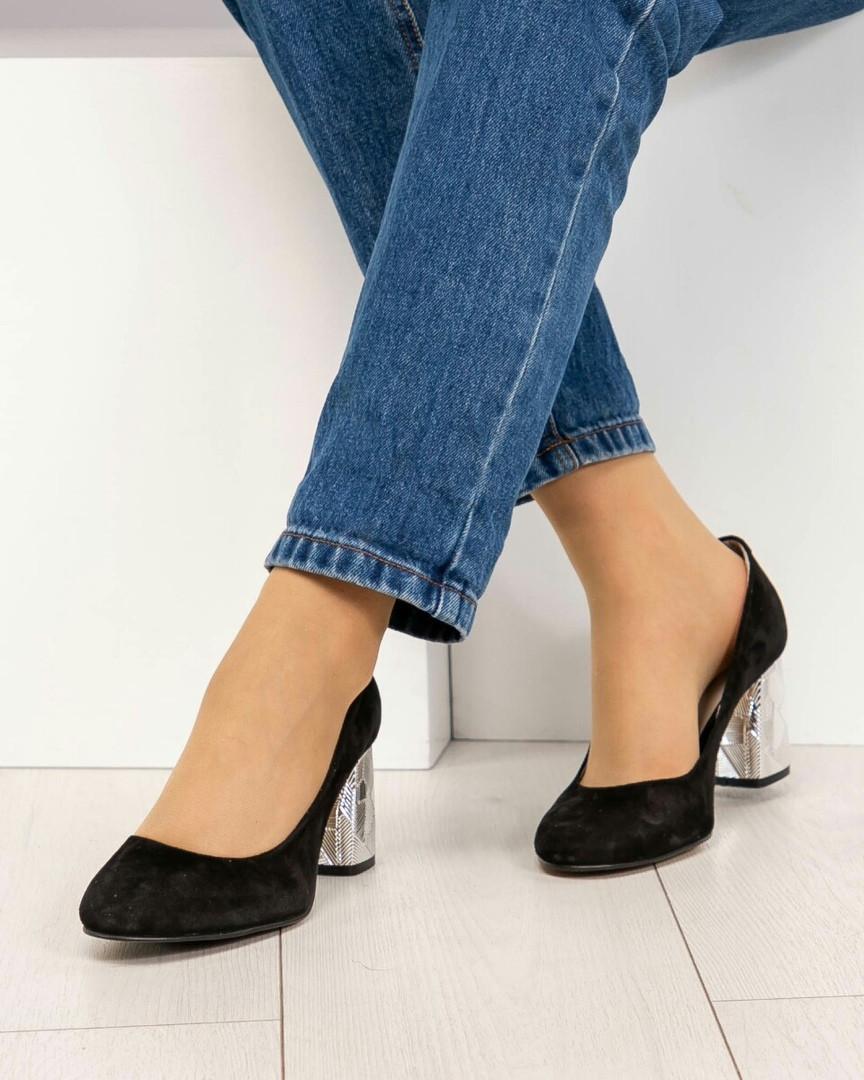 Туфли женские на серебристом каблуке черные