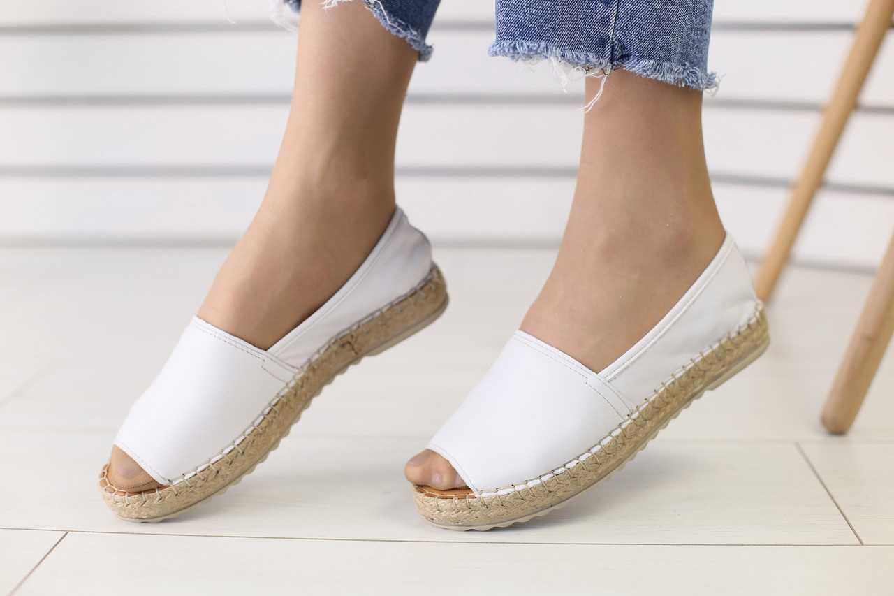 Женские экпадрильи стильные топовые удобные с открытом носком (белые)