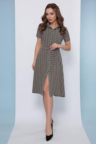 Легкое приталенное платье-рубашка с пояском и короткими рукавами в мелкий принт горчичное, фото 2