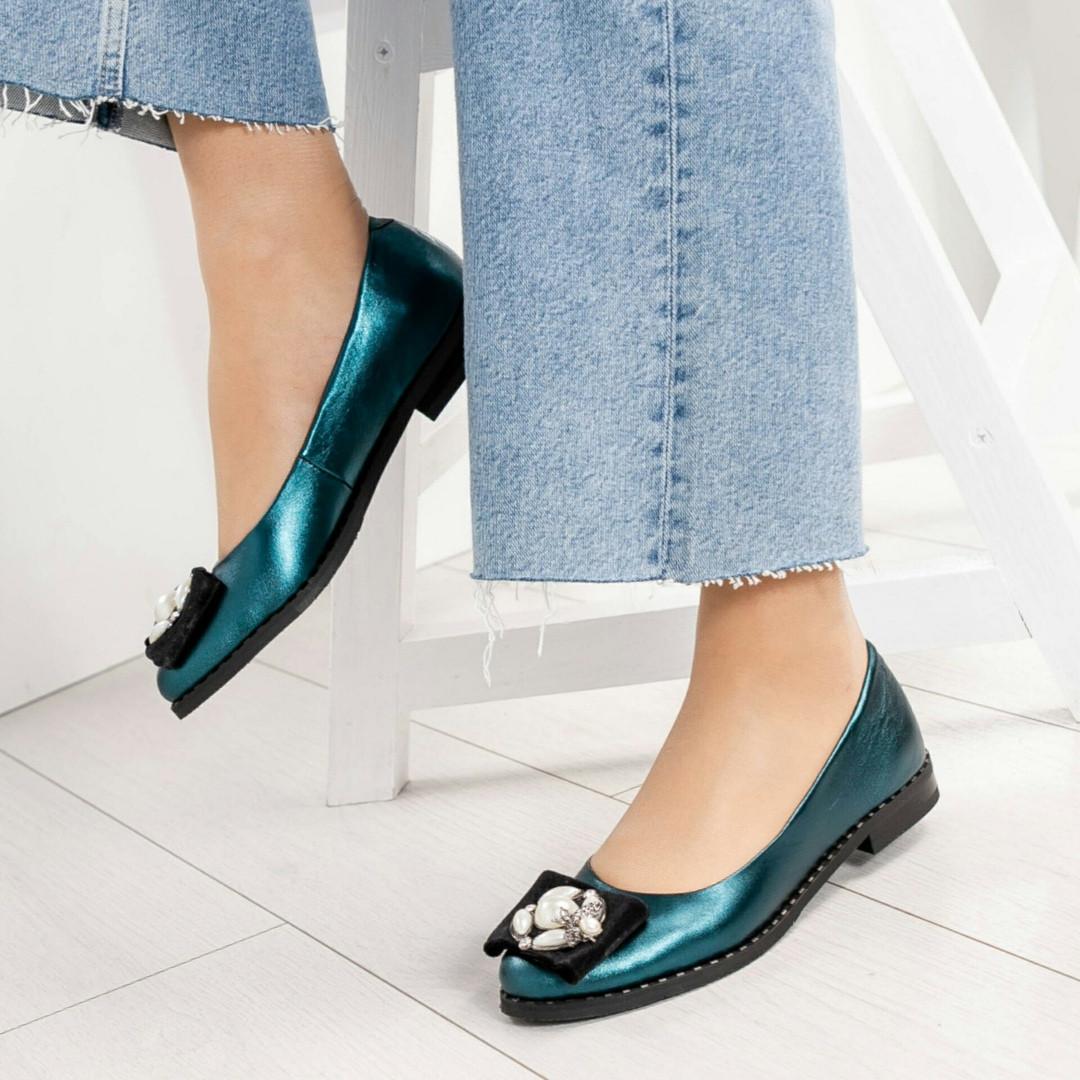 Туфли женские с декором на носке изумруд