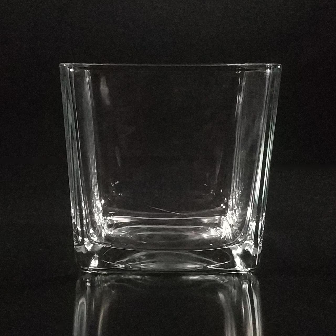 Квадратная ваза 14 х 14 х 14 см