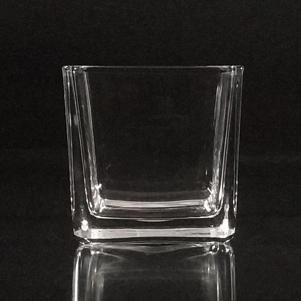 Подсвечник квадратный  h 8 см, 8 х 8 см