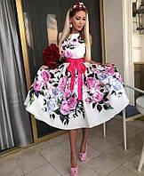 Женское эффектное летнее платье из атласа с цветочным принтом