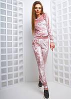 Розовый велюровый комбинезон