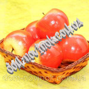 Яблоко красное .9 см.