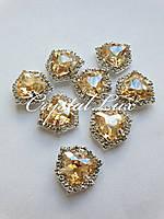 Triangle 16*16mm Gold Shaddow в цапах