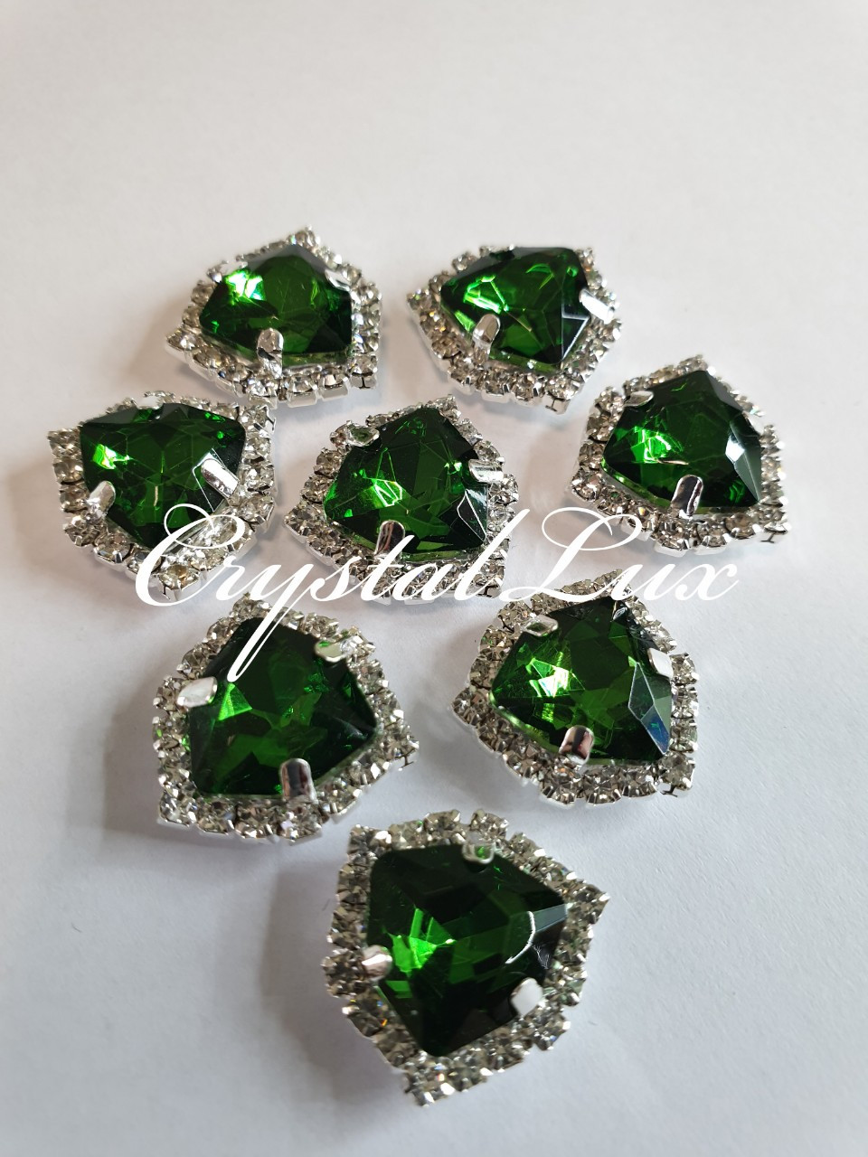 Triangle 16*16mm Emerald в цапах