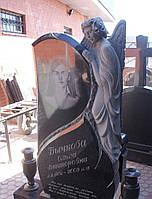 Эксклюзивный памятник на кладбище с ангелом из гранита резьба.