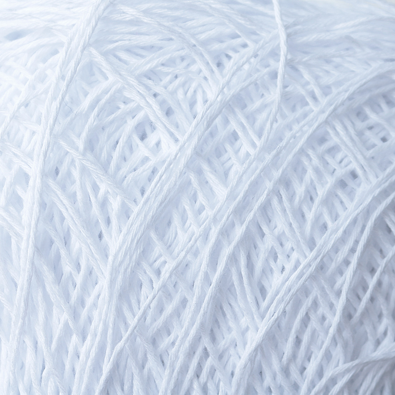 Пряжа Вивчари Этно-Коттон Классик 600 м, цвет 001 белый