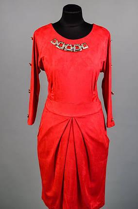 """Восхитительное женское платье с украшением на груди ткань """"Эко-Замш"""" 48 размер батал, фото 2"""