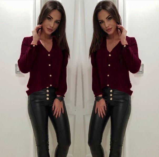 aaebd6f0c19 Бордовая легкая классическая блузка свободного кроя с V-образный вырезом