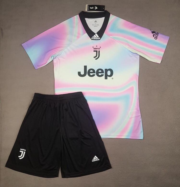 Футбольная форма Juventus 2018-2019