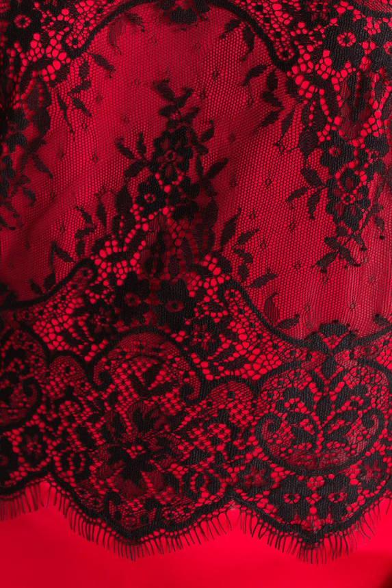 Майка женская атласная с гипюром красная, фото 2