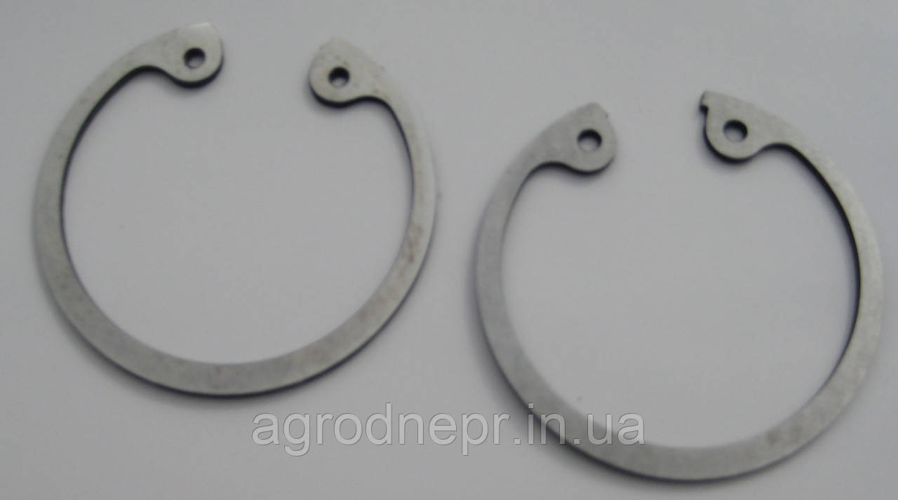 Кольцо стопорное пальца поршневого 240-1004022