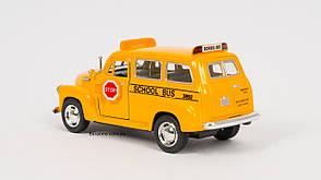 """Машина металлическая Kinsmart """"Chevrolet Suburban School Bus"""", в подарочной коробке, фото 3"""