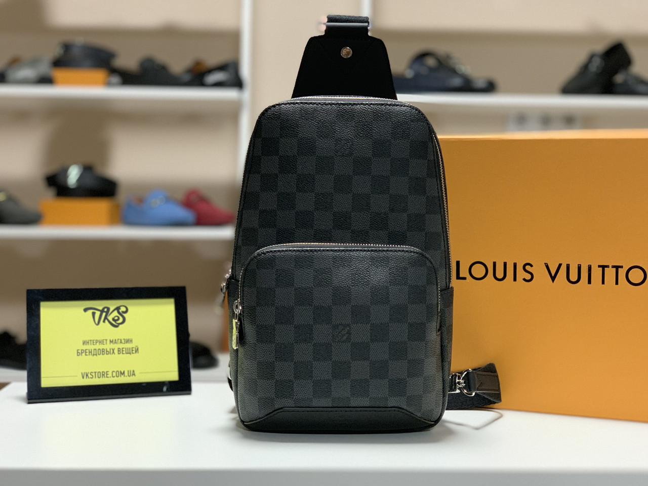 ca86fd206ef6 Сумка-слинг Louis Vuitton Avenue Slingl Bag, цена 7 600 грн., купить ...