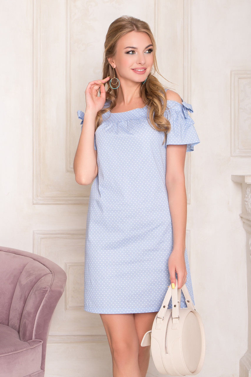Летнее платье мини хлопковое с открытыми плечами голубое