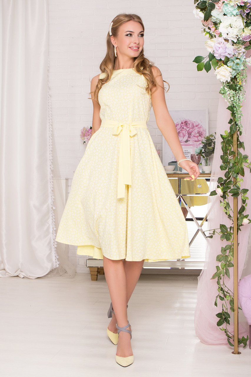 Красивое летнее платье миди желтое без рукава