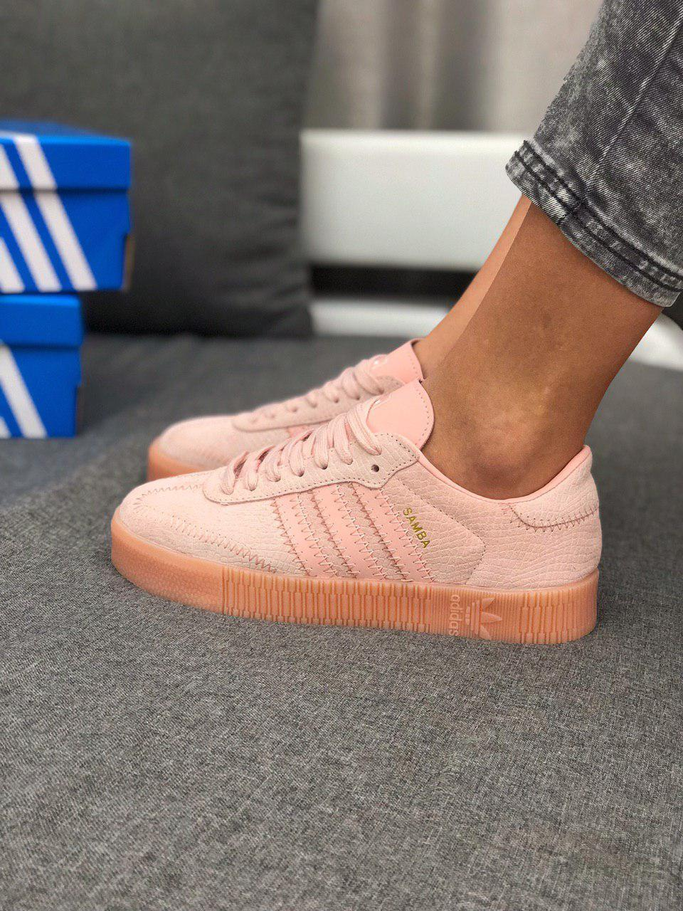 Женские кроссовки Adidas sambaнежно розовые