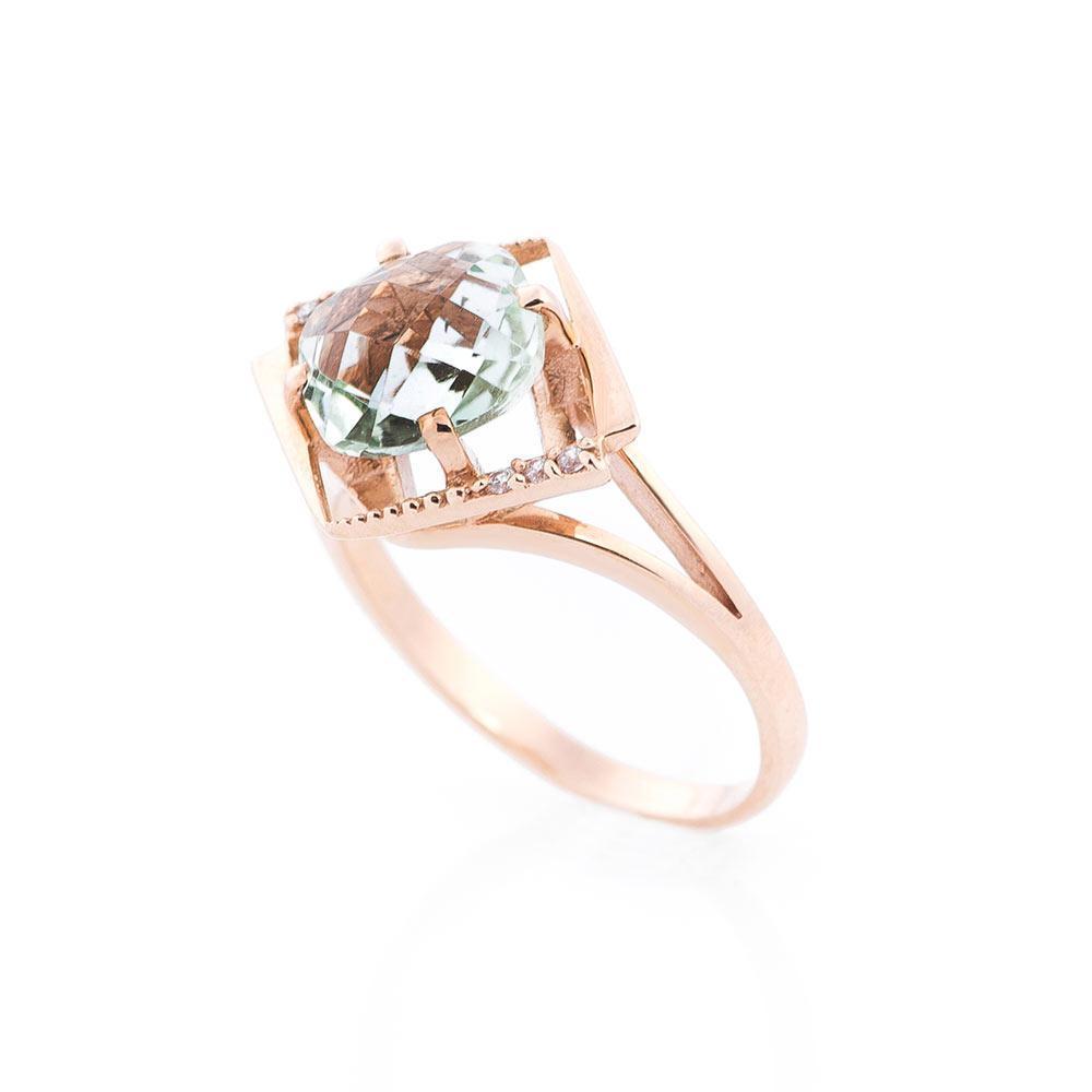 Золотое кольцо с аметистом и фианитами гк14032380
