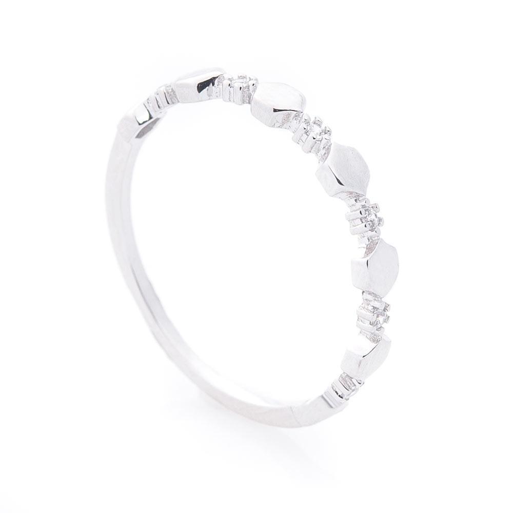 Золотое кольцо с фианитами гк05931
