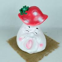 Гриб мухомор с жабой на шапочке - садовой декор