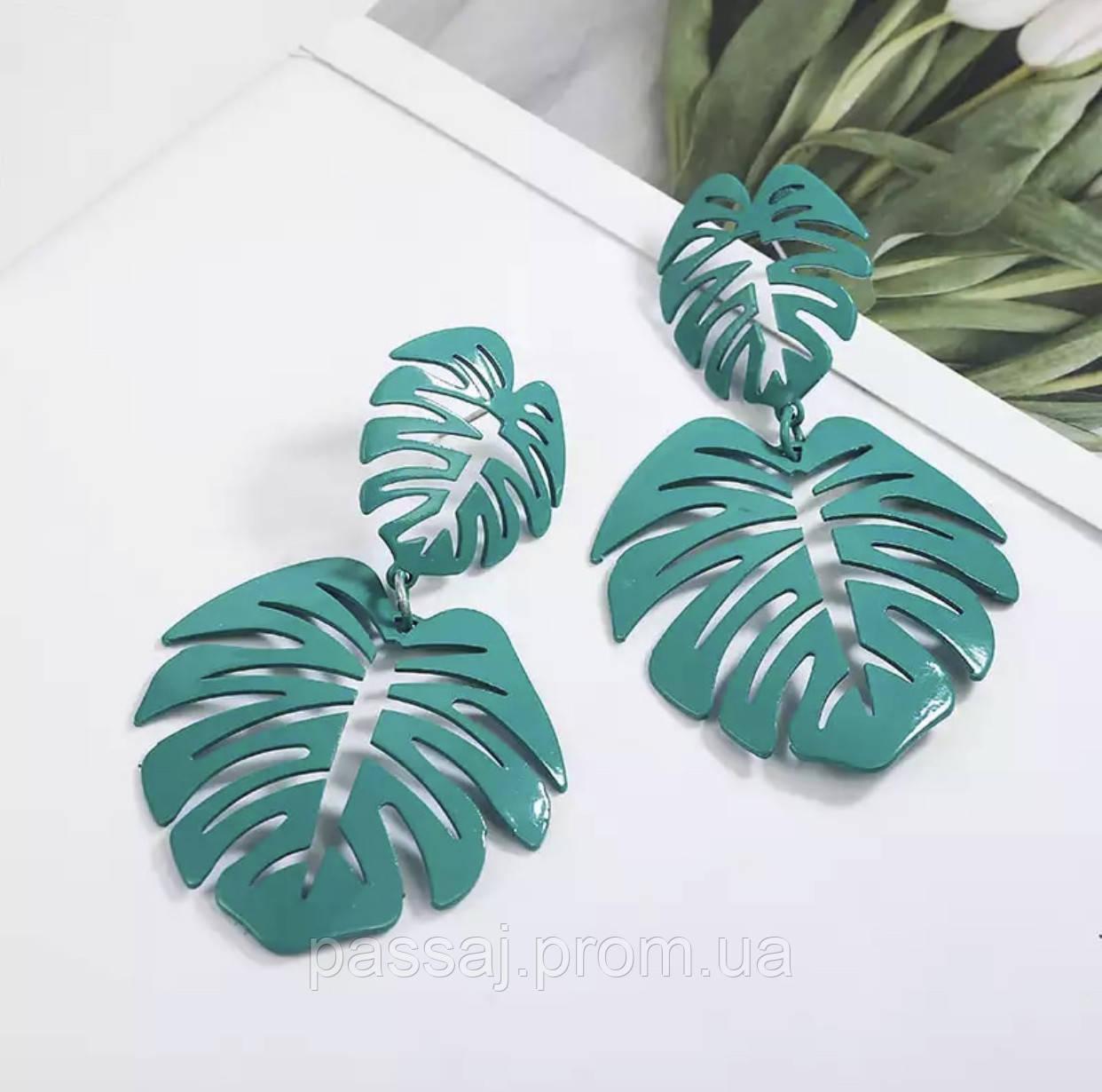 Серьги - гвоздики листья зеленого цвета