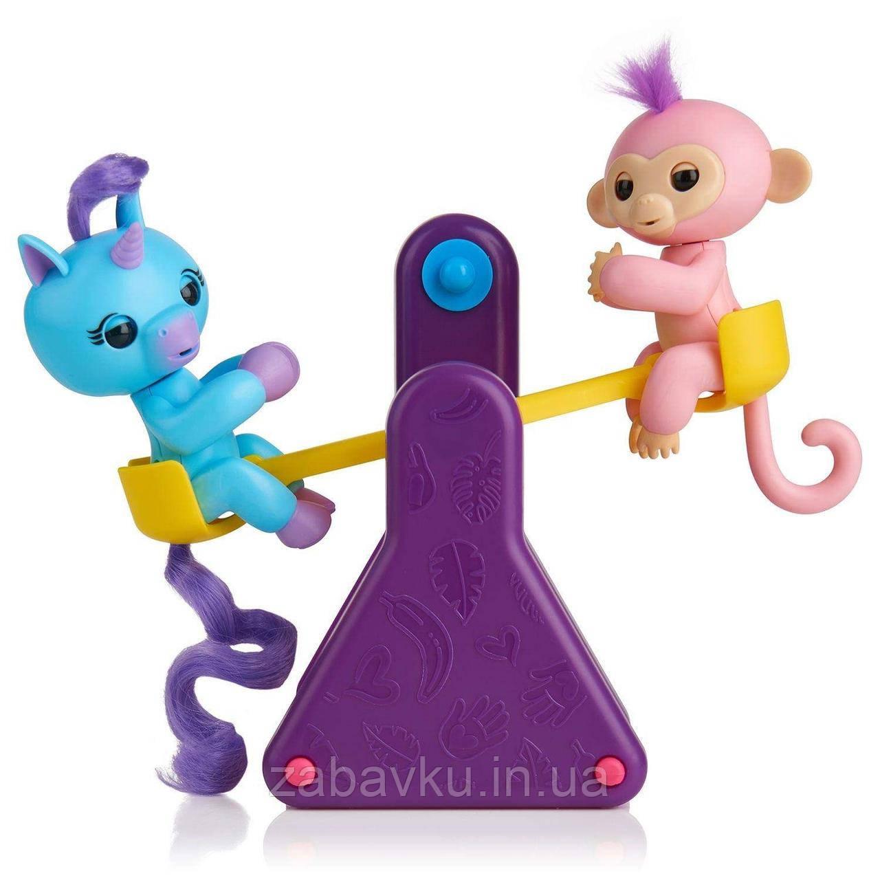 Набір Фінгерлінз на ігровому майданчику WowWee Fingerlings Єдиноріг та мавпочка Корал і Кайлі