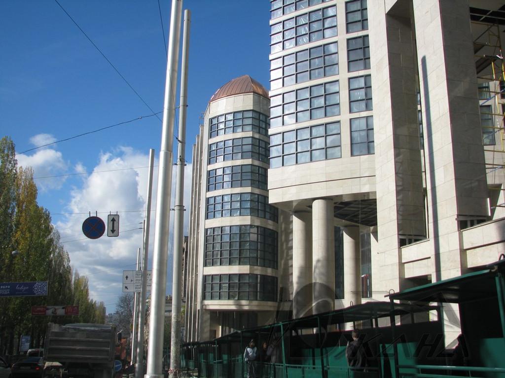 """Отель """"Hilton"""" по адресу г. Киев, буль. Т. Шевченко. Медные купола на главном фасаде 3"""