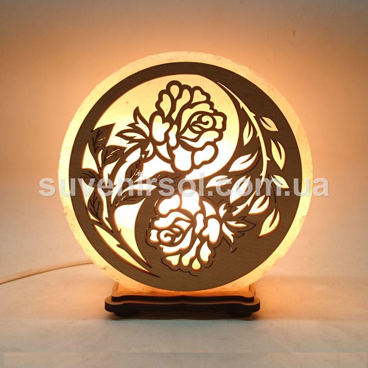 Соляной светильник круглый Розы инь янь
