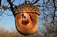 Садовая фигура «Белка в жёлуде» пластик
