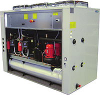 Тепловой насос воздушного охлаждения EMICON PAE 702 U Kc co спиральными компрессорами и осевыми вентиляторами