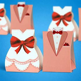 Бонбоньєрка на весілля у вигляді піджака і сукні