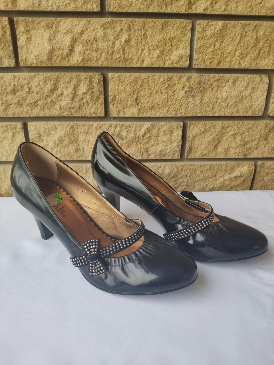 Туфли женские на каблуке BENZAIR