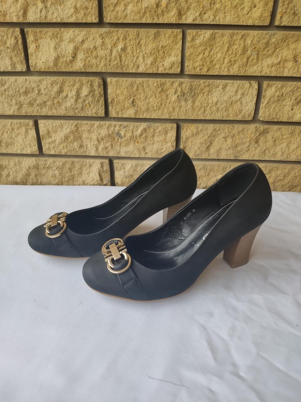 Туфли женские на каблуке UIGAO