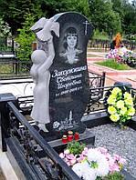 Эксклюзивный памятник с девочкой и голубем на кладбище из гранита.