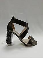 Босоножки с закрытой пяткой на устойчивом каблуке., фото 1