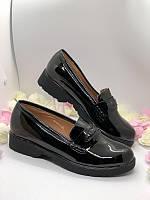 Черные лаковые туфли, лоферы