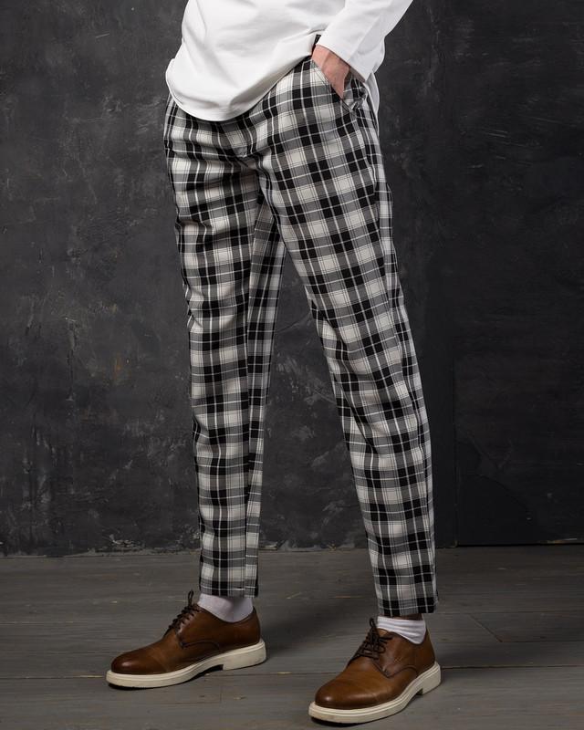 16aaa2ba7ed6 Главным преимуществом брюк является универсальность использования, удобство  и очень красивый внешний вид, так как они подчеркивают достоинства мужской  ...
