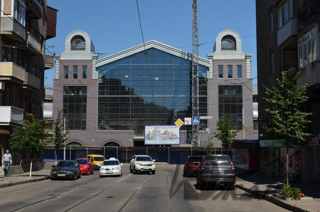 Сумской рынок в г. Харькове по ул. Тринклера 4