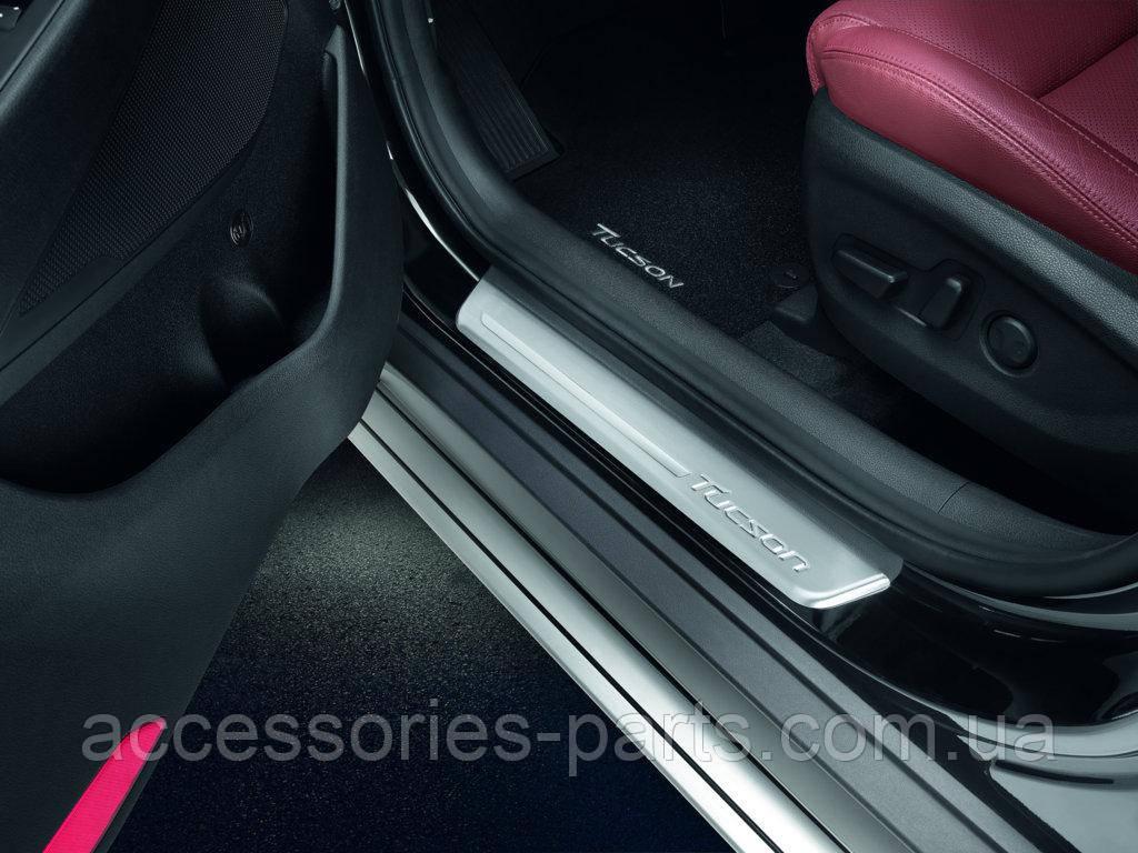 Накладки на пороги  Hyundai Tucson 2 2016 Новые Оригинальные