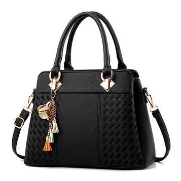 Женская сумка черная на 3 отдела с брелком код 3-420