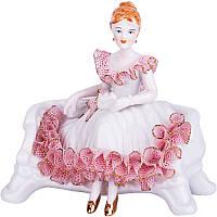 Статуэтка Дама на диване