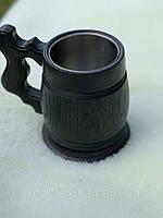Пивной бокал из дерева, тёмный с металлической вставкой объемом 0,3л.