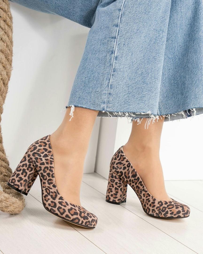 Туфли женские  с принтом лео