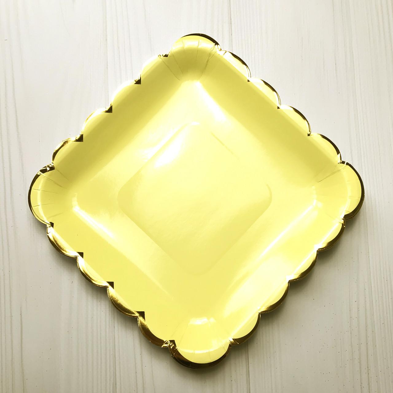Тарелки квадратные желтые Тренд