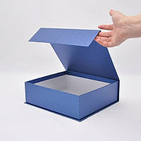 Коробка на магнитах