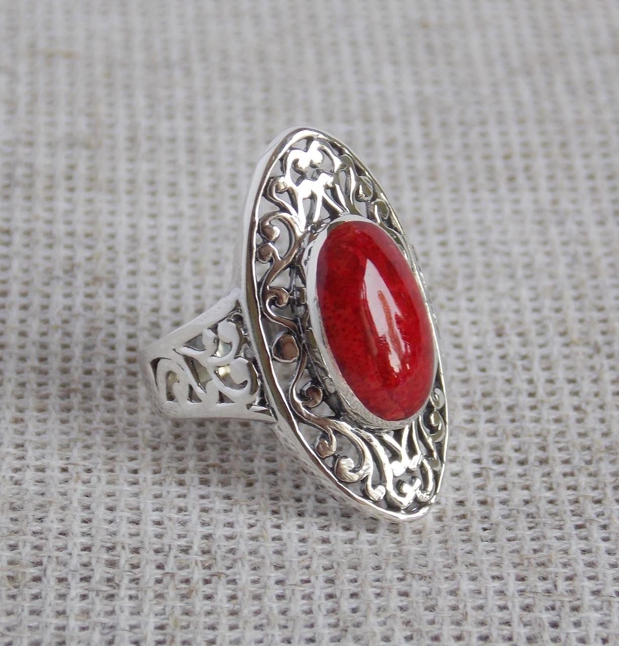 Серебряное кольцо ручной работы  с кораллом 18,5 размер. Балийское серебро