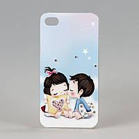 Чехол Влюбленные малыши пластиковый для iphone 4/4s